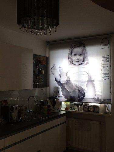 Fotorollo bedruckt mit Kinder Foto in der Küche